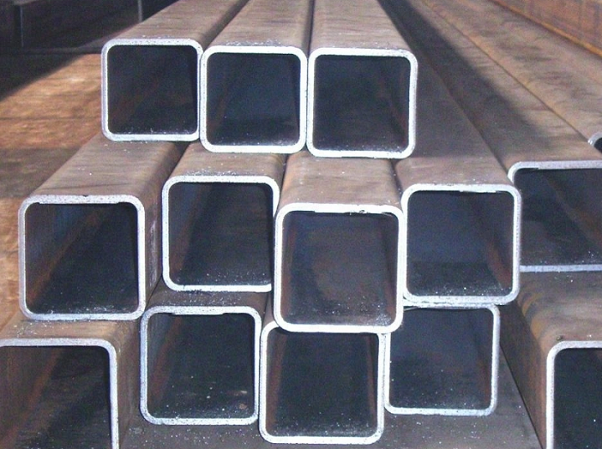 Hot rolled black carbon seamless square steel pipes