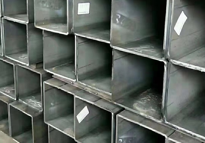 150x150 mild steel square or rectangular hollow section pipe